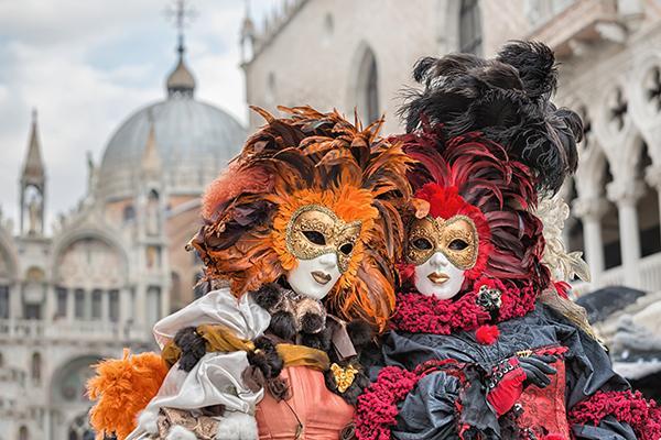 Il carnevale più bello d'Italia: da Viareggio a Venezia e da Cento a Putignano, ecco i migliori...