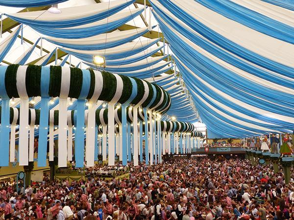 Le migliori offerte e tutti i last minute sul web per andare all'Oktoberfest di Monaco di Baviera.