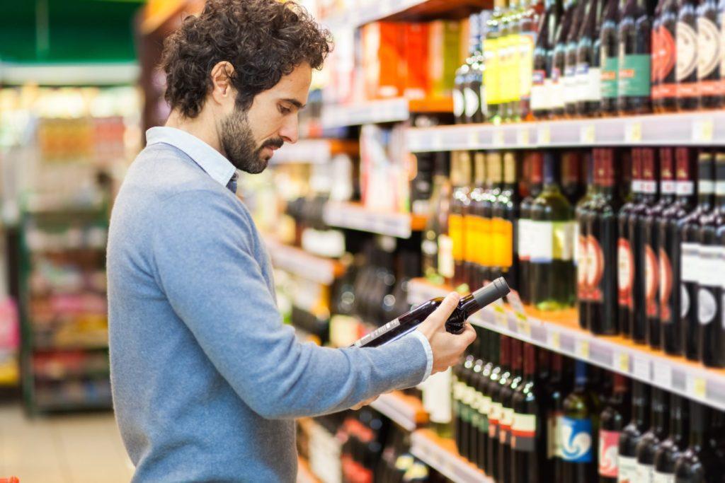 Quale vino portare a cena? 5 regole semplici per non fare una figura da scemo